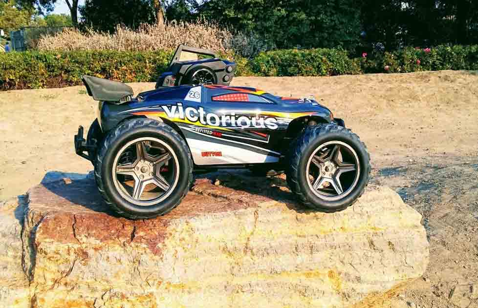 VICTORIOUS - Coche RC Truggy