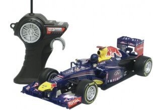 Coche RC Red Bull F1 RB9 (S. Vettel) 1/18